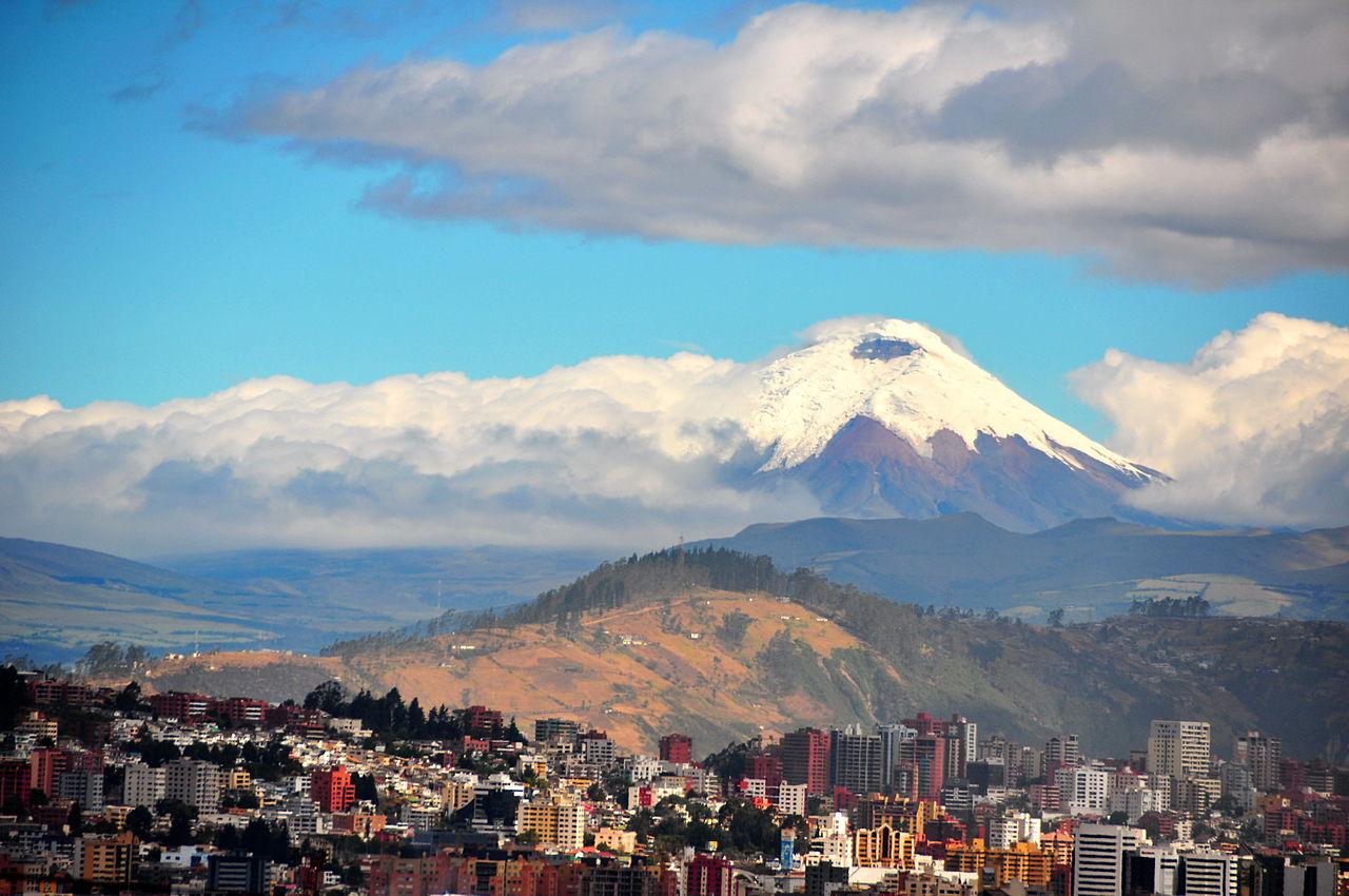 1280px-Quito_Ecuador_pano